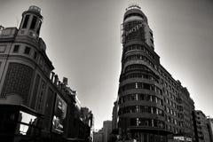 Vue de rue de Gran Via et de bâtiment de capitol à Madrid images stock