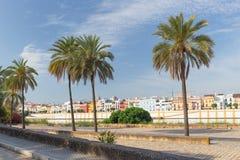 Vue de Séville, Espagne, bord de mer à l'architecture historique du secteur de Triana Image stock