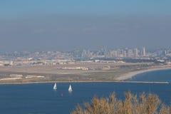 Vue de San Diego et la base de l'aéronavale du point loma Images libres de droits