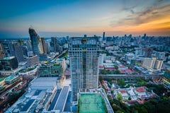 Vue de Siam District moderne au coucher du soleil, à Bangkok, la Thaïlande Photo libre de droits