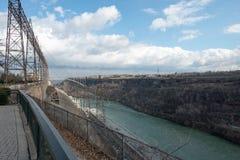 Vue de Sir Adam Beck Hydroelectric Generating Stations vu du Canada d'Ontario image stock