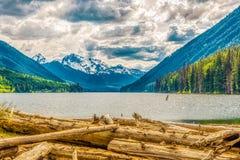 Vue de soirée à la montagne de Rhor de bâti du parc provincial de lac Duffey en Colombie-Britannique - Canada photos stock