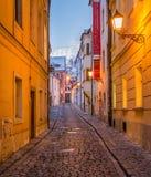 Vue de soirée d'hiver de Milou à Bratislava, Slovaquie photographie stock libre de droits