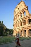 Vue de soirée de Colosseum à Rome Italie Photos stock