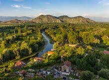 Vue de soirée de la forteresse Crnojevica Images stock