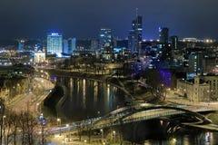 Vue de soirée du district des affaires de Vilnius, Lithuanie image libre de droits