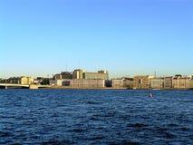 Vue de St Petersburg du Neva Photo stock