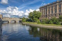 Vue de Stockholm avec le Parlement Photographie stock libre de droits