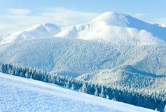 Vue de support de Goverla de l'hiver (Ukraine) Images stock