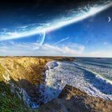 Vue de système éloigné de planète des falaises Images stock