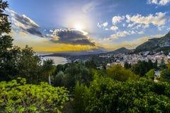 Vue de Taormina du théâtre grec Photo stock