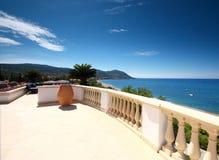 Vue de terrasse de compartiment Chypre de Latsi Image stock
