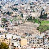Vue de théâtre romain antique dans la ville d'Amman Image libre de droits