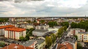 Vue de tour d'ancienne église de Martin Luter dans Swinoujscie en Pologne Photos stock