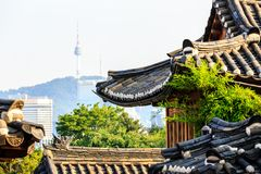 Vue de tour de Namsan de village de Bukchon Hanok, Séoul, Corée du Sud photo libre de droits