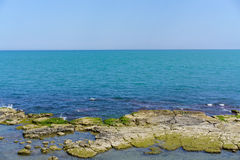 Vue de Trani sur la côte images libres de droits