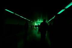 Vue de tunnel avec le feu vert Photographie stock libre de droits