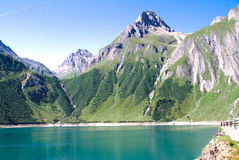 Vue de vallée de formazza, lac de morasco Images stock