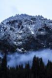 Gâteau de couche de vallée de Yosemite. Images libres de droits