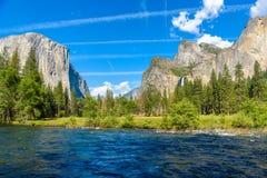 Vue de vall?e, parc national de Yosemite, la Californie, Etats-Unis photographie stock
