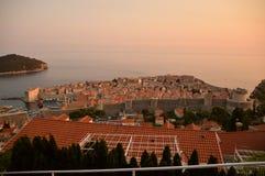 Vue de vieille ville de Dubrovnik Coucher du soleil photographie stock libre de droits