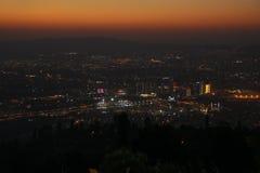 Vue de ville au coucher du soleil d'Ulu Dag Image libre de droits