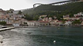 Vue de ville de Bakar sous la pluie, Croatie photo libre de droits