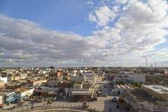 Vue de ville d'EL Jem de l'amphithéâtre romain de Thysdrus, une ville dans le governorate de Mahdia de la Tunisie Photographie stock libre de droits