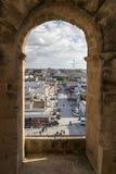Vue de ville d'EL Jem de l'amphithéâtre romain de Thysdrus, une ville dans le governorate de Mahdia de la Tunisie Images stock