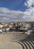 Vue de ville d'EL Jem de l'amphithéâtre romain de Thysdrus, une ville dans le governorate de Mahdia de la Tunisie Photos stock
