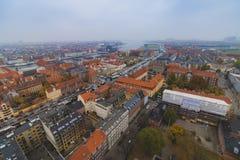 Vue de ville d'horizon de centre de Copenhague Christianshavn ? l'automne image stock
