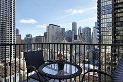 Vue de ville de balcon de logement Photo stock
