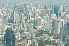 Vue de ville de Bangkok avec des nuages photographie stock libre de droits
