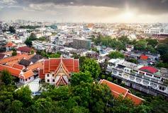 Vue de ville de Bangkok de temple d'or de montagne Photographie stock