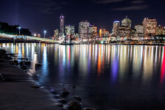 Vue de ville de Brisbane des espaces verts de Southbank, Brisbane Image stock