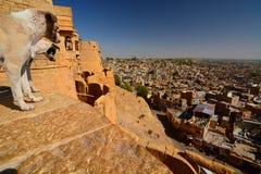 Vue de ville de Jaisalmer du fort Rajasthan l'Inde Image stock