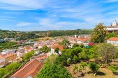 Vue de ville de Silves avec les maisons colorées Photos libres de droits