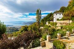 Vue de ville de Volos de bâti de Pelion, Grèce Photos stock