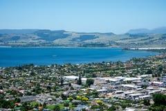Vue de ville et de lac de Rotorua au Nouvelle-Zélande Image libre de droits