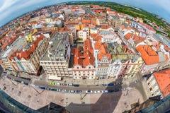 Vue de ville de Pilsen de cathédrale du ` s de St Bartholomew Tchèque Repub Image stock