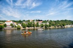 Vue de ville de rivière de Vltava à Prague, République Tchèque photo stock