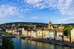 Vue de ville de Zurich de colline images libres de droits