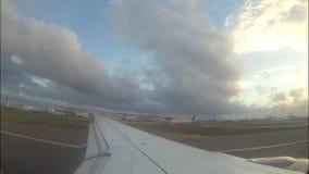 Vue de Wing Out From Airplane banque de vidéos
