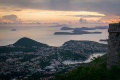 Vue des îles d'Elaphiti au coucher du soleil photographie stock libre de droits