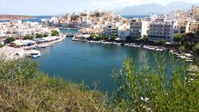 Vue des agios Nikolaos de la montagne tout près Images libres de droits