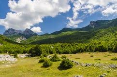Vue des Alpes albanais Photographie stock libre de droits