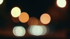 Vue des boules mobiles abstraites colorées Couleur jaune de cercles banque de vidéos