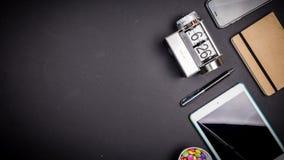 Vue des bureaux avec des outils d'affaires Photo libre de droits