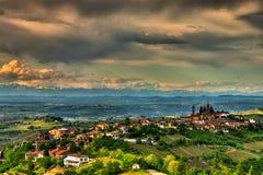 Vue des collines de Rodello, dans le Langhe photo libre de droits