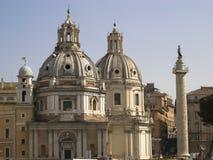 Vue des deux dômes de l'église de Santa Maria Rome, Italie Photo stock